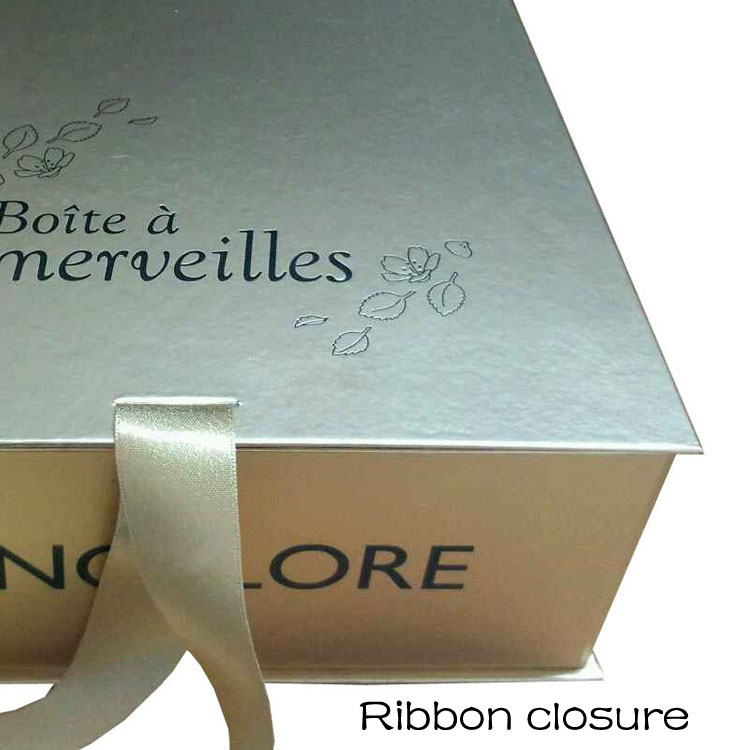 Ribbon Closure Gift Box