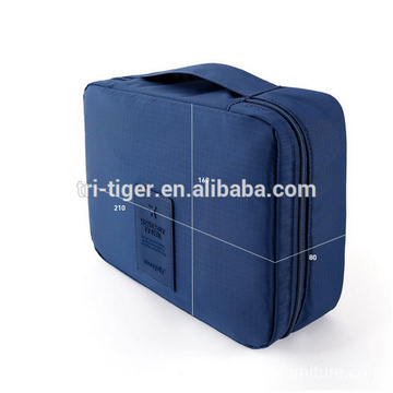Easy to carry travel cosmetic bag