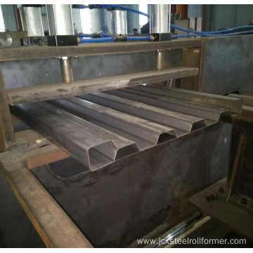 Truck carriage board roll forming machine