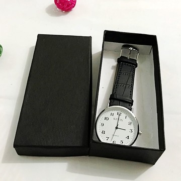 Retail watch box display