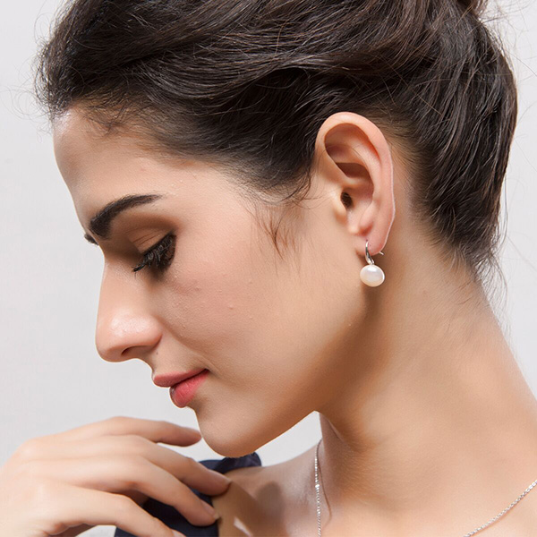 Simple And Exquisite Ear Stud