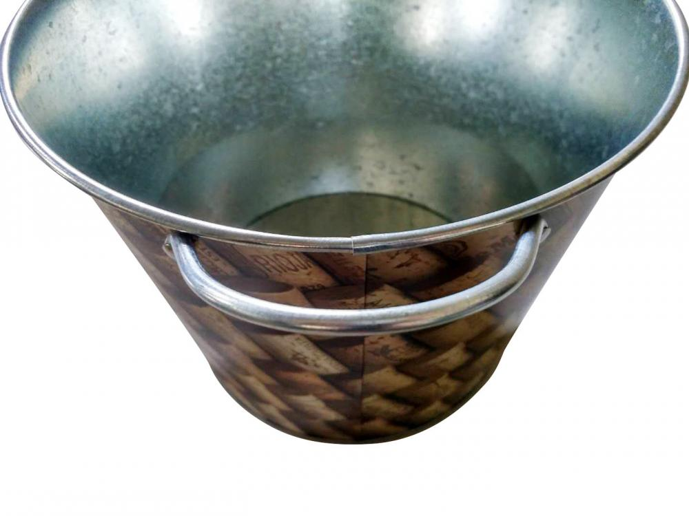 Galvanized bucket with fixed handles