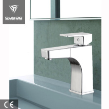 Bathroom pull out faucet with flexible hoses