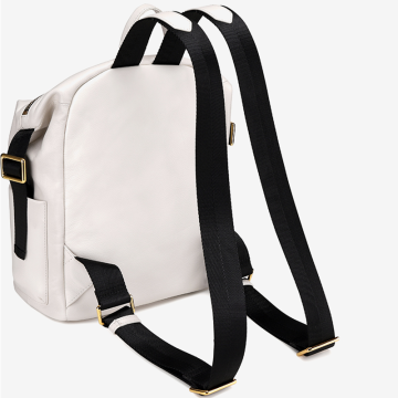 Simple and large capacity shoulder bag