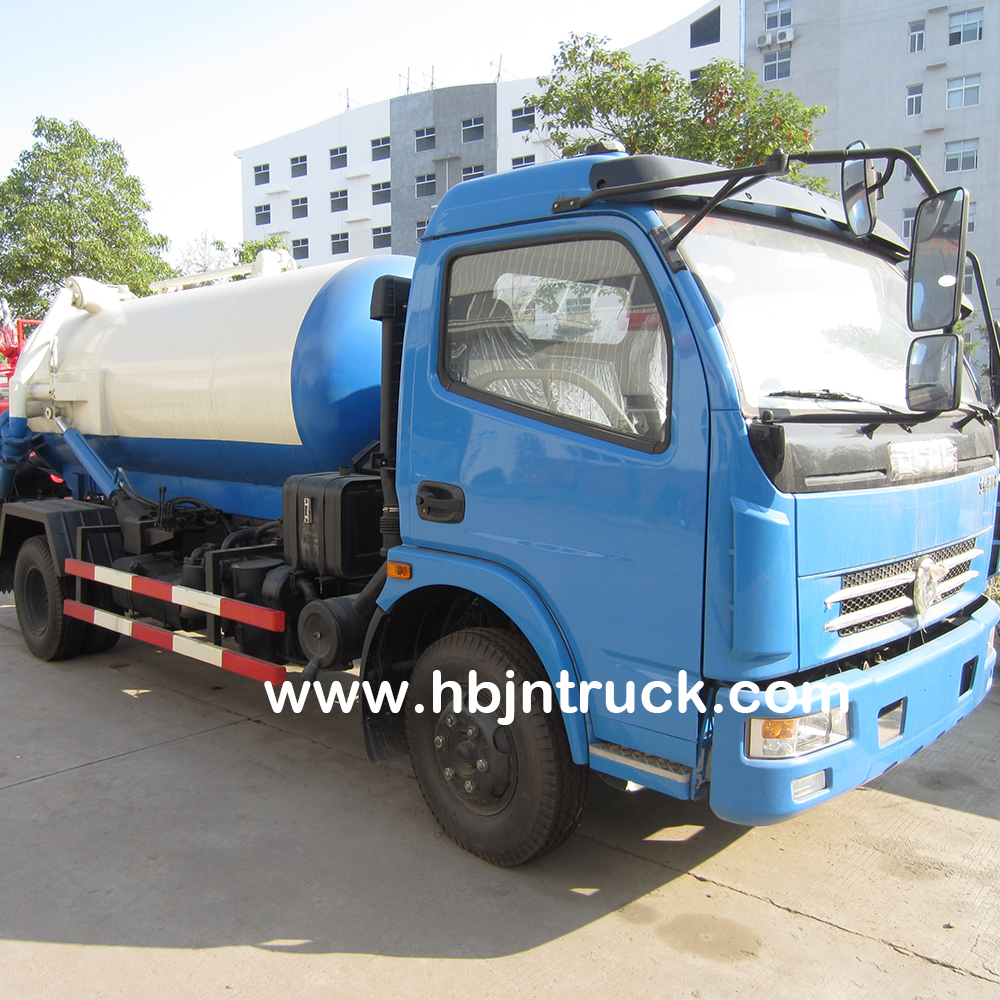 Sludge Suction Tank Truck