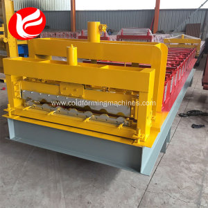 Galvanized panel sheet glazed tile roll making machine