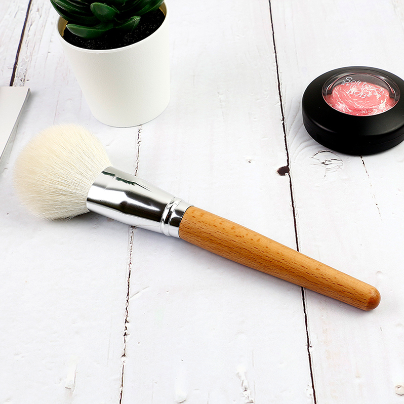 Powder Brush 8