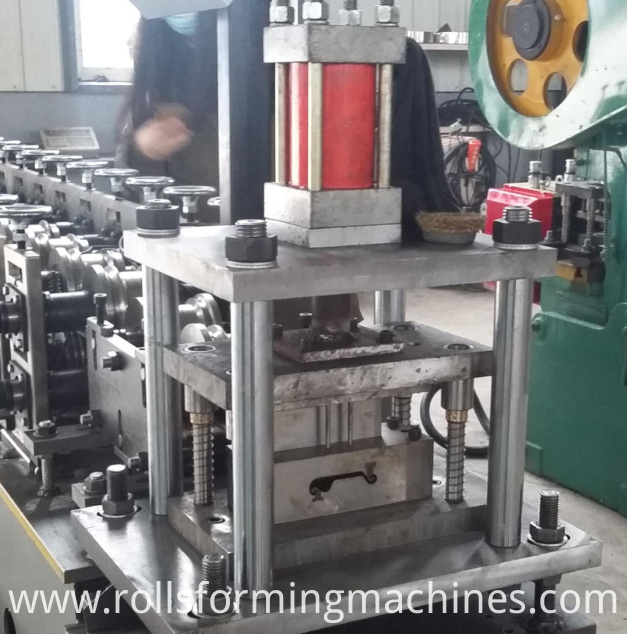 Roller Shutter Door Slat Roll Forming Machine