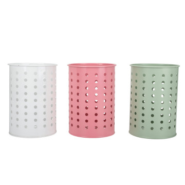 Round kitchen utensil holder