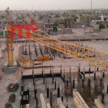 Self erecting tower crane QTZ80