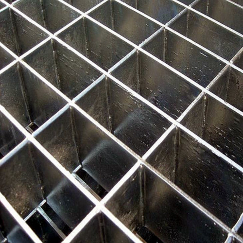 Plug heavy duty steel grating