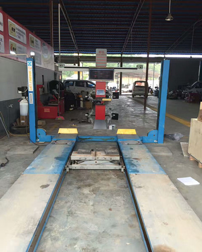 Cross Beam Wheel Alignment