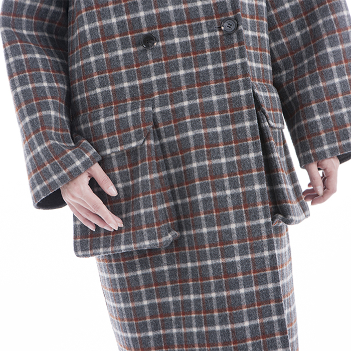 The waist of the retro Plaid winter coat