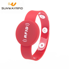 Best quality and factory for Personalized Rubber Bracelets One-time Button 13.56mhz RFID Wristband NFC Smart Bracelet export to Iran (Islamic Republic of) Factories