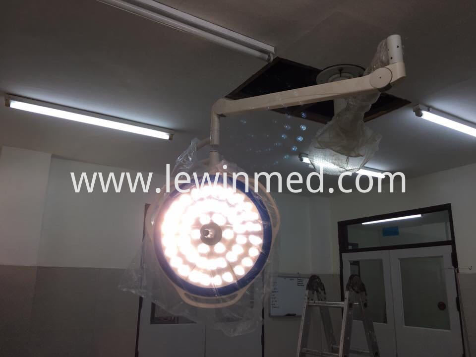 Approved with ce surgical light