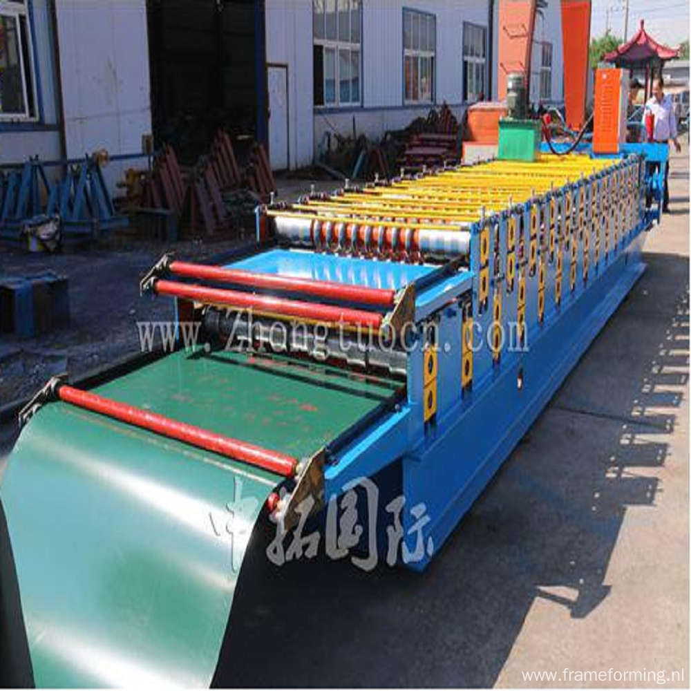 Two layer metal sheet roofing making machine