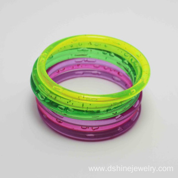 PriceList for for Plastic Craft Bangles Promotional Latest Design Colored Plastic Wholesale Bangles export to Papua New Guinea Factory