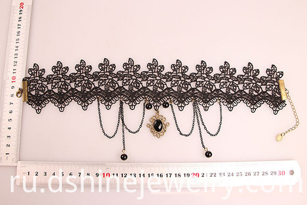 vintage lace necklace