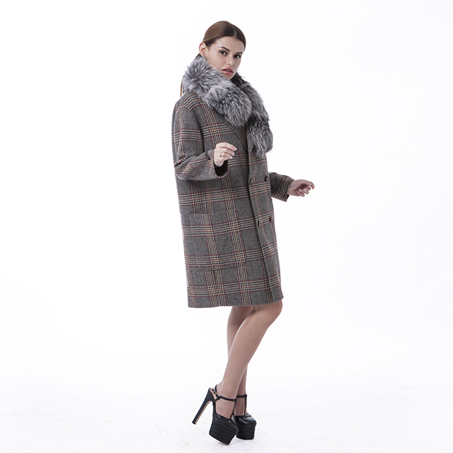 Cashmere overcoat with wool collar