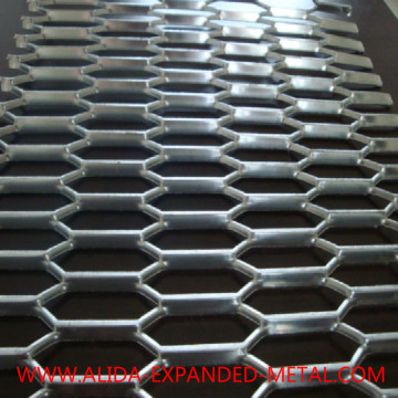Diamond expandable metal mesh