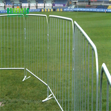 Crowd control barrier plastic