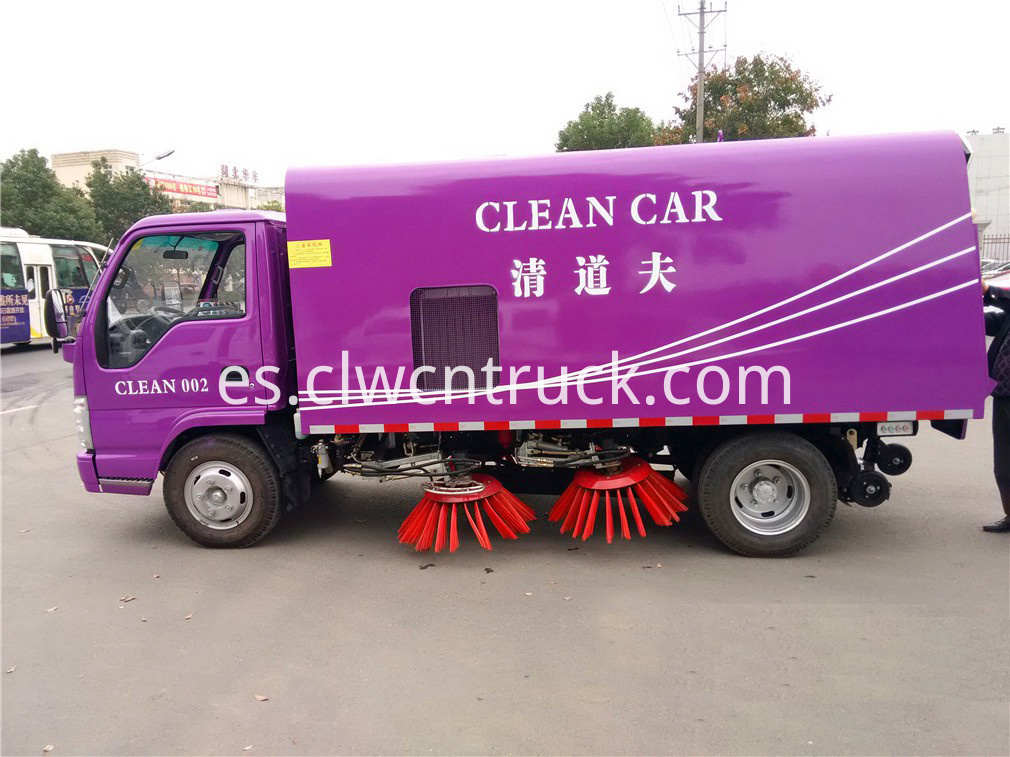 isuzu road sweeper truck 3
