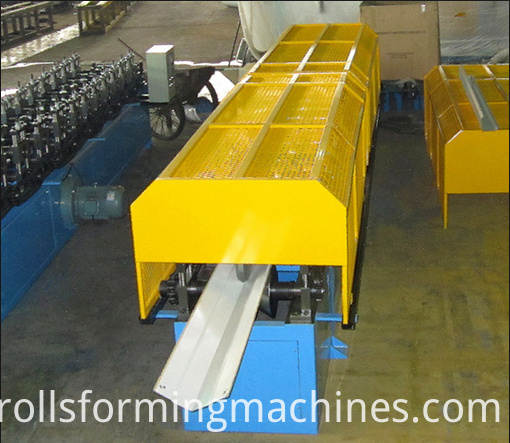 roof ridge cap forming machine 03