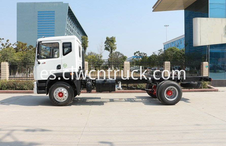 water delivery truck chassis 3