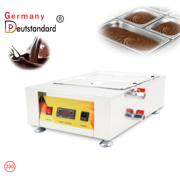 Chocolate melting machine with 2 tank