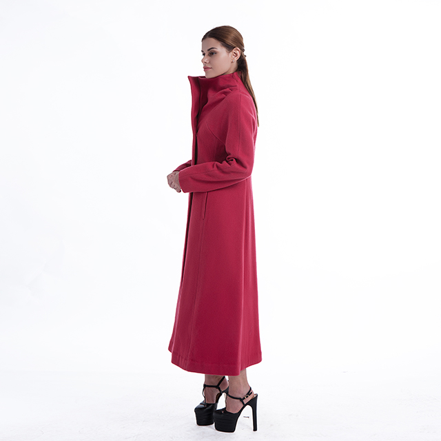 Rosy red cashmere overcoat with vertical collar