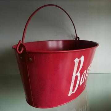 Oval Ice bucket with two flexible handles