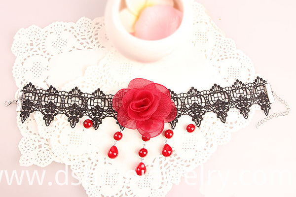 rose lace necklace