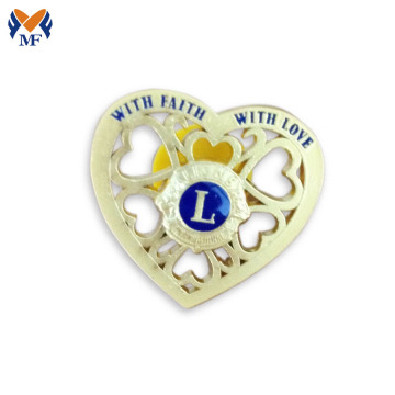 Hollow out heart shaped brooch pin badge