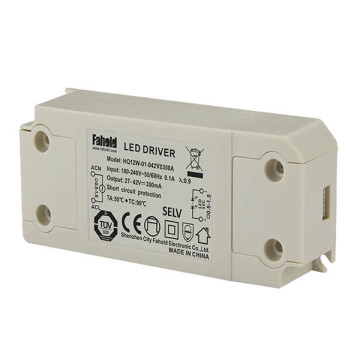 No-flick ic surge protection device led driver