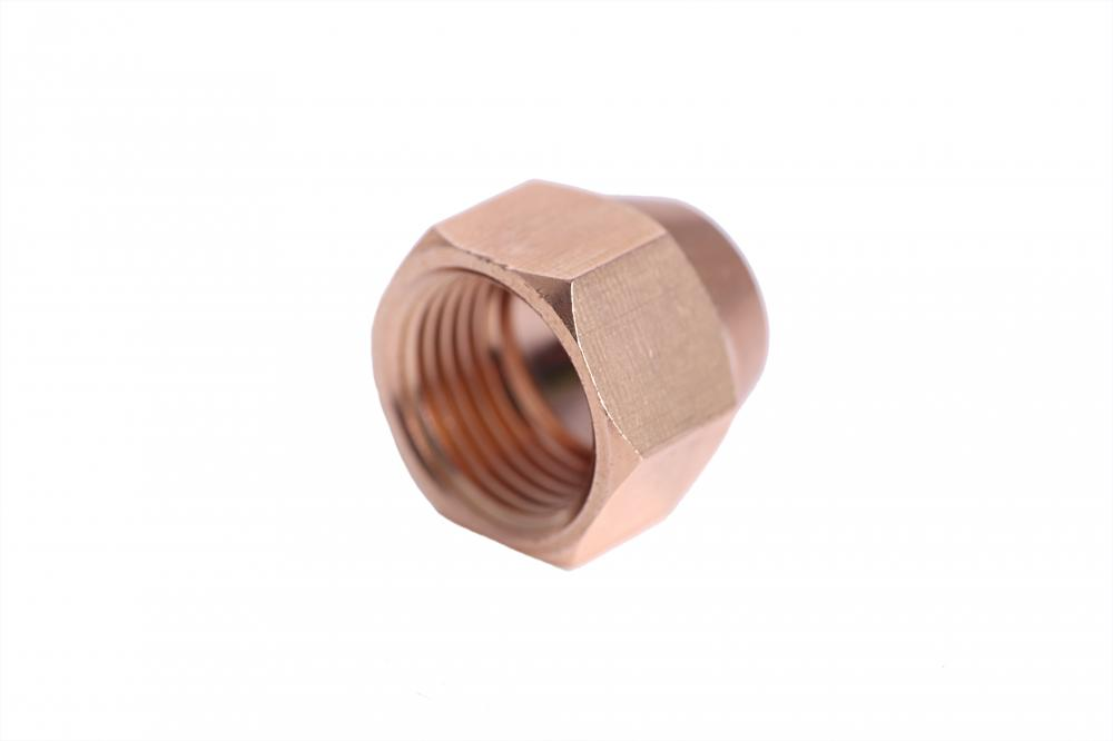 Brass fitting short nut