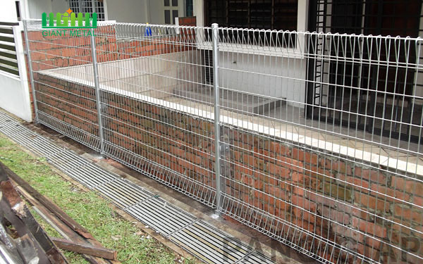 Roll top brc wire mesh  fence