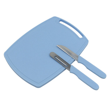 Multi cutlery set with plastic cutting board