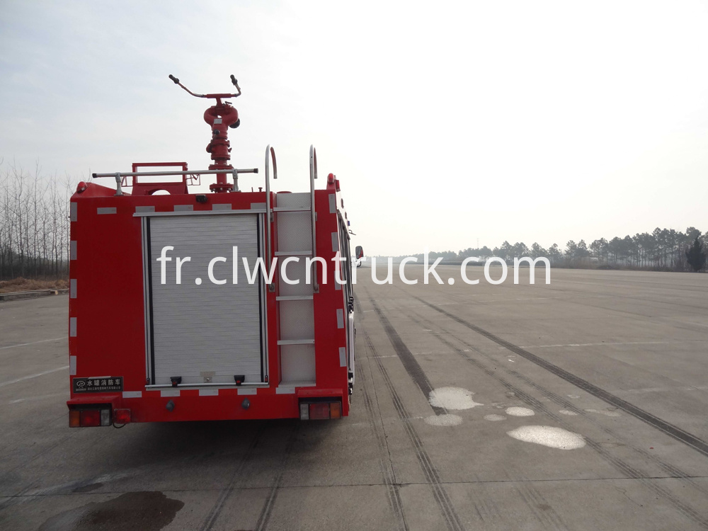 fire fighting vehicle 4