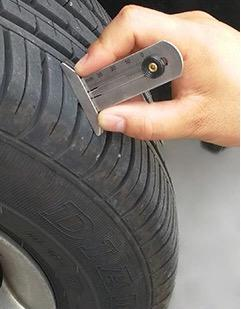 how to use tire tread depth gauge