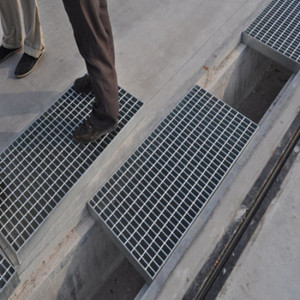 Heavy Duty Steel Grating Trench Cover