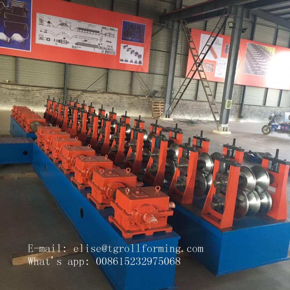 Hot selling crash barrier roll forming machine