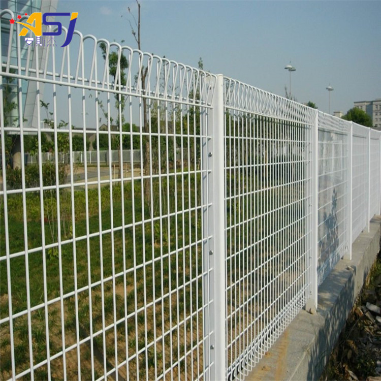 3D Triangle Bending Fence