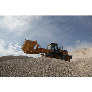 SEM659C 5tons Wheel Loaders Mineral Yard Port Machines