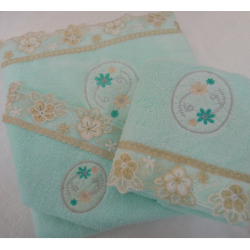Applique Lace Luxury 3-Piece Bathroom Towel Set