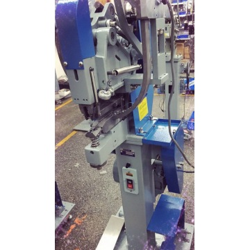 Automatic Snap Button Attaching Machine