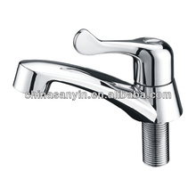 Plastic Short Neck Swinging Spout Kitchen Sink Faucet
