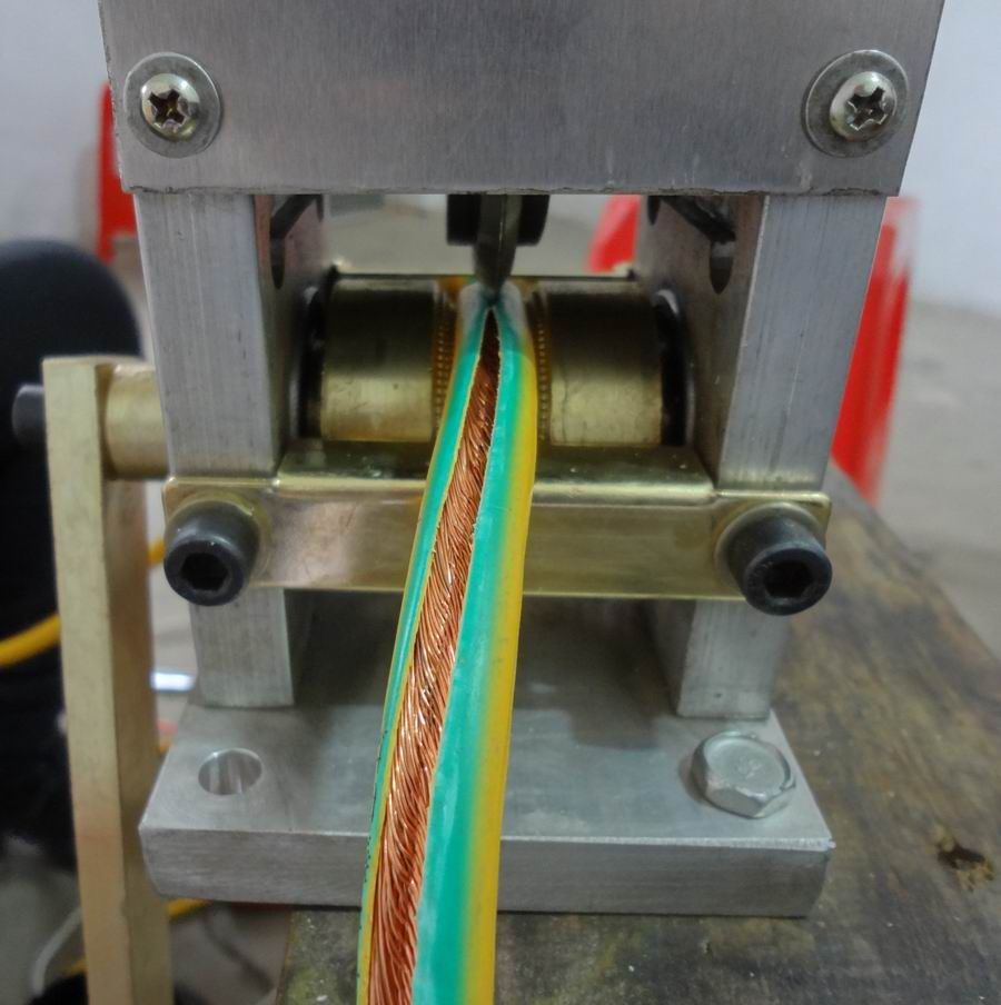 manual wire stripper