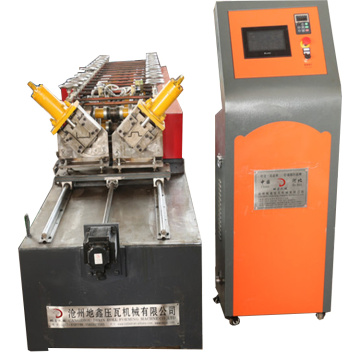 Non stop cutting light steel keel machine