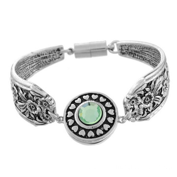 Ancient Silver Plated Carved Flower Noosa Snap Bracelet