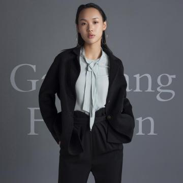Cashmere overcoat with slit back